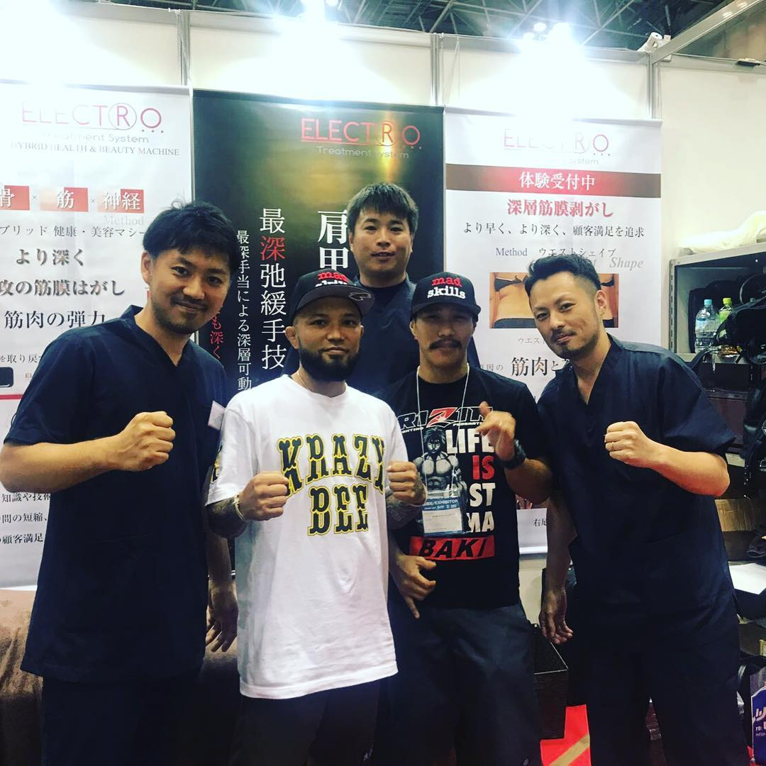 昨日から東京ビックサイトで開催されている「SPORTEC 2017」に格闘家 の山本KID さん、アーセン さんが御来場されてまた!